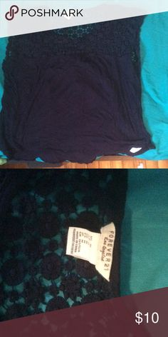 💙Forever 21 top💙 This Forever 21 top is navy and has a crocheted collar . Barely worn. Forever 21 Tops Blouses