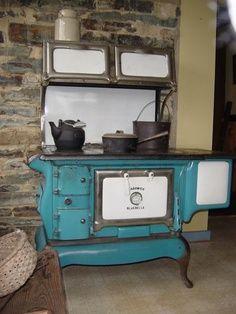 Vintage Eureka wood stove - love these old wood stoves. Wood Stove Cooking, Kitchen Stove, Old Kitchen, Vintage Kitchen, Kitchen Ideas, Barn Kitchen, Kitchen Country, Antique Wood Stove, How To Antique Wood