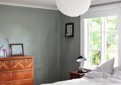 inredning, torp, Gotland, summerhouse, interior, bedroom sängbord byrå   Emmas Vintage
