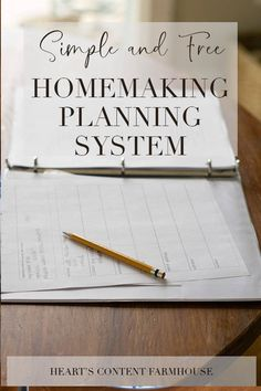 Do you love the idea of a homemaking binder but find it too cumbersome and expensive? Try this simple method for planning your days that works either with a binder or without. It is free and flexible. Free printables are included, but the system works fin Household Notebook, Household Binder, Christian Homemaking, Home Binder, Home Management, Planning Your Day, Homekeeping, Working Moms, Organizer