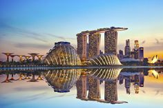 Make the Most of Your Airport Layover with Free City Tours - Condé Nast Traveler - 6 airports that offer free city tours Singapore Tour, Singapore Changi Airport, Singapore Garden, Singapore Travel, Singapore Sling, Video Game Rooms, Gardens By The Bay, Marina Bay Sands, Modern Architecture
