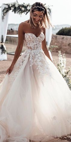 white wedding dress A-Line bridal dress Sweetheart Sleeveless Sweep Train Tulle Wedding Dress with Appliques Hochzeitskleid 2019 - wedding and engagement 2019 Sweetheart Wedding Dress, Perfect Wedding Dress, White Wedding Dresses, Cheap Wedding Dress, Bridal Dresses, Strapless Wedding Dresses, Princess Wedding Dresses, Wedding Dress On A Budget, Waters Wedding Dress