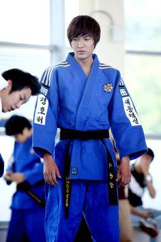 Lee Min Ho in City Hunter