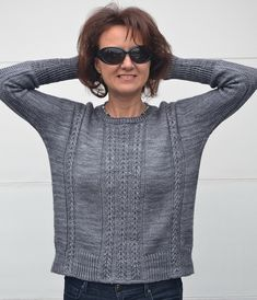 Knit This Easy Gridded Pullover Sweater - Diy Crafts - Marecipe Cable Sweater, Pullover Sweaters, Summer Sweaters, Sweaters For Women, What Is Fashion, Knitwear, Crochet, Womens Fashion, Arrow Keys