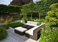 Minimalist garden, small and small terrace with a narrow area can make you dizzy. How does a minimalist garden design look broad, relieved and not narrow? Modern Backyard Design, Back Garden Design, Contemporary Garden Design, Backyard Garden Design, Modern Landscaping, Backyard Landscaping, Landscaping Ideas, Patio Ideas, Backyard Ideas
