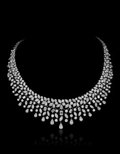 Fancy Jewellery, Stylish Jewelry, Diamond Jewellery, Designer Jewellery, Indian Jewelry Sets, Bridal Jewelry Sets, Indian Wedding Jewelry, Bridal Necklace, Gold Necklace