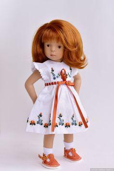 Все люди, как люди, а я - Суперзвезда! / Sylvia Natterer, Сильвия Наттерер. Коллекционно-игровые куклы / Бэйбики. Куклы фото. Одежда для кукол Knitted Romper, Knitted Dolls, Short Outfits, Casual Outfits, White Balloons, Wellie Wishers, Couture, Flower Dresses, Girl Dolls