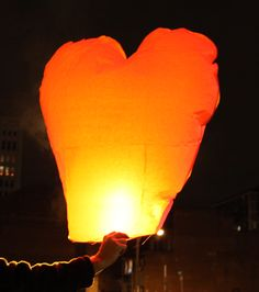 Heart Sky Lanterns MAKE A WISH AND LET IT GO.