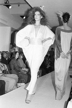 Diane von Fürstenberg Fashion Show, Spring/Summer 1983 Von Furstenberg, Classic Style, Fashion Show, Wrap Dress, Spring Summer, Mamma, Princess, Chic, Collection
