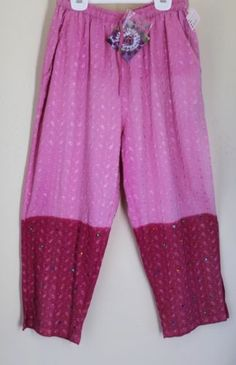 NEW-Sacred-Threads-Funky-Pink-Ombre-Embroidered-Art-Wear-Capri-Cropped-Pants-M