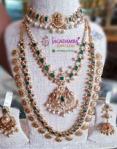 Jewelry Design Earrings, Gold Earrings Designs, Gold Jewellery Design, Gold Haram Designs, Indian Bridal Jewelry Sets, Gold Wedding Jewelry, Gold Jewelry, Indian Gold Necklace, Initial Necklace Gold