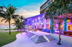 Wine and Dine by the Seaside at Starfish Bloo at W Bali – Seminyak - Eat Vacation Bali Restaurant, Kid Pool, Jimbaran, Enjoying The Sun, Bali Travel, Travel Couple, Beautiful Landscapes, Seaside, The Good Place