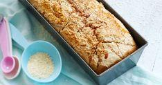 Herkullinen gluteeniton vuokaleipä voidellaan hunajavedellä ennen paistamista. Nauti leipä mieluiten samana päivänä tai pakasta tuoreeltaan. Katso ohje! Samana, Banana Bread, Gluten Free, Baking, Desserts, Recipes, Ballet Flats, Food, Bread Making