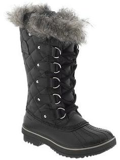 Winter boot shopping!   Sorel Tofino, Piperlime. These almost look like mine from two winters ago!