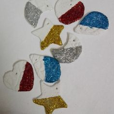 Glittered Clay Pendants https://beingartsysonal.wordpress.com/2015/09/03/glittered-clay-pendants/
