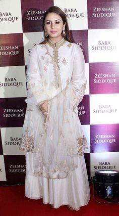 Beautiful Bollywood Actress, Beautiful Indian Actress, Beautiful Actresses, Bollywood Hair, Movies Bollywood, Bollywood Theme, Bollywood Outfits, Bollywood Wedding, Bollywood Jewelry