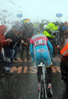 Giro leader Vincenzo Nibali (Astana) solos to victory on the final day in the mountains