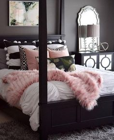Master bedroom decor hacks: A great tip to aid give you home design eye would be to watch Home and Garden on tv. There are a lot of television programs out there that will give you many great ideas and just how all of you the latest design trends. Dream Rooms, Dream Bedroom, Home Bedroom, Girls Bedroom, Bedroom Themes, Bedroom Designs, Master Bedrooms, Warm Bedroom, Stylish Bedroom