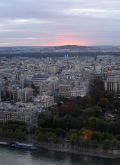 Experience the Parisian sunset from the restaurant, Le Jules Verne, in the Eiffel Tower #travel #honeymoon