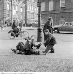Den Haag (1958-1959) - Het Geheugen van Nederland - Online beeldbank van Archieven, Musea en Bibliotheken