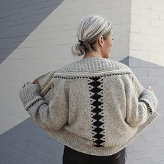Knitting Blogs, Loom Knitting, Knitting Patterns Free, Hand Knitting, Knitting Projects, Plus Zise, Bind Off, Grey And Beige, Stockinette