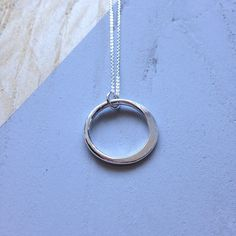 Circle necklace in recycled silver Hammered Silver, Sterling Silver, Pillow Box, Circle Necklace, Hummingbird, Hand Stamped, Recycling, My Etsy Shop, Chain