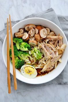 Simple as my chicken ramen - Cuisine - Asian Recipes Healthy Meals For Two, Healthy Crockpot Recipes, Easy Meals, Ramen Noodle Recipes, Soup Recipes, Ramen Noodles, Ramen Soup, Thai Food Dishes, Homemade Ramen