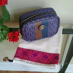 Tory burch make up bag Like new condition Tory Burch Bags
