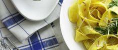 Safrannudeln mit Spinatsauce Waffles, Pineapple, Pasta Vegetariana, Fruit, Breakfast, Food, Tagliatelle, Vegetarian Dish, Yummy Recipes