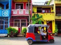 Sri Lankan color downtown #Colombo #tuktuk #srilanka #srilankan #srilankanstyle natgeo @natgeocreative @thephotosociety by yamashitaphoto
