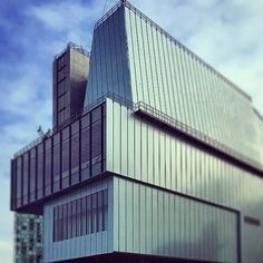 "Renzo Piano's ""prodigiously misassembled"" Whitney Museum is a grower, say critics."