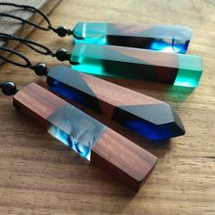 Wood resin necklaces 100% Hand crafted Real Wood/Resin Real Flowers Artist DesignNote - Every Wood Resin Necklace is 100% handmade, please allow for slight changes. Every Hand made necklace is unique and one of a kind!