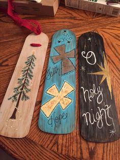 30 Artistic Ceiling Fan Blade Art Ideas 30 Artistic Ceiling Fan Blade Art Ideas The Thing Is Nothing Is Useless If You Got Imagination And Ideas Now Scroll Down To Check Out Ceiling Fan Blade Art Ideas Ceiling Fan Blade Art Ideas Christmas Wood, Christmas Signs, Christmas Projects, Christmas Decorations, Christmas Ideas, Christmas Stuff, Holiday Ideas, Pallet Crafts, Wooden Crafts