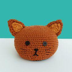 neu Türstopper gehäkelt Tierkopf Katze braun niedlich von MJUKstore #mjukstore #etsy #unseretsy #doorstopper #animalhead #decoration #homemade #home #interior #fox #kids #kidsroom #design #homedeco #style #trend #cute #mummy #parents #family #textiledesign #crochet #cat