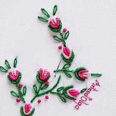 Hand Embroidery Patterns Flowers, Hand Embroidery Videos, Embroidery Stitches Tutorial, Embroidery Flowers Pattern, Hand Embroidery Designs, Embroidery Alphabet, Creative Embroidery, Simple Embroidery, Silk Ribbon Embroidery
