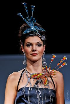 #fashionshow #fashion #jewellery #jewelery #sperky #moda #swarovski #madeinjablonec #czech Fashion Jewellery, Jewelery, Fashion Show, Swarovski, How To Make, Jewels, Jewlery, Jewerly, Jewelry