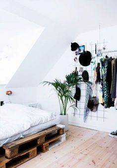 20 Small Bedroom Design Ideas You Must See - Housiom #smallbedroomdesigns