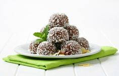 Chocolate, Coconut and Peanut Butter! That is why I had to make the Crock Pot Chocolate Coconut Peanut Butter Balls! Healthy Sweets, Healthy Dessert Recipes, Healthy Baking, Vegan Desserts, Raw Food Recipes, Vegan Truffles, Coconut Truffles, Coconut Balls, Coconut Peanut Butter