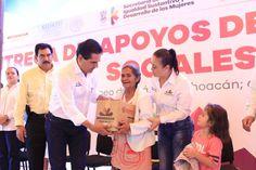 Por primera vez en la historia del municipio, se entregan a jefas de familia recursos por 5.5 mdp para el mejoramiento de sus viviendas, destacó el gobernador de Michoacán – ...