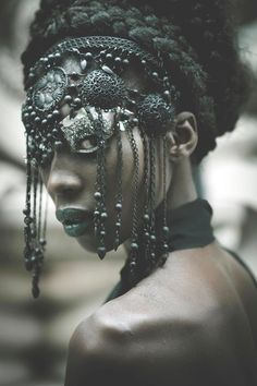 Amazing metal beaded headdress style mask with metal tassels and tribal coins. Photography for Elle International Magazine, China Tribal Fusion, Black Is Beautiful, Beautiful People, Simply Beautiful, Ethno Style, Lolita Cosplay, Warrior Princess, Headgear, Dreads