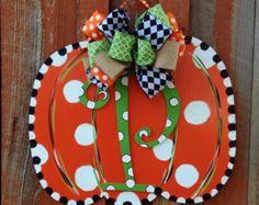 Fall Door Hanger Personalized Pumpkin Door by TheRedWoodBarn (Kids Wood Crafts Front Doors) Fall Crafts, Halloween Crafts, Holiday Crafts, Diy Crafts, Holiday Decor, Halloween Ideas, Wood Crafts, Christmas Decor, Halloween Costumes