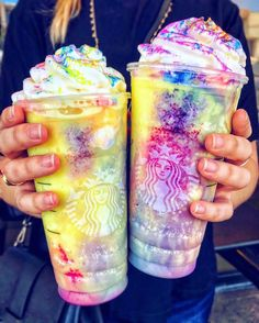 Would we be jerks if we ordered the Tie-Dye Frappuccino at Asking for a friend. Not sponsored, just curious how it would taste. Bebidas Do Starbucks, Starbucks Secret Menu Drinks, Starbucks Frappuccino, Starbucks Food, Unicorn Drink Starbucks, Rainbow Drinks, Colorful Drinks, Rainbow Food, Candy Drinks