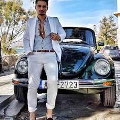 Life is a story! makes yours the best seller!Weekend is coming! Weekend Is Coming, Mens Fashion, Fashion Outfits, Mens Clothing Styles, Photo And Video, How To Make, Life, Instagram, Moda Masculina