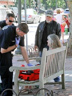 Billy Joel to the rescue! Piano Man gives fallen woman helping hand