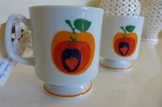 Orange, Apple and Strawberry Motif Vintage Pedestal Mugs Orange Mugs, Motif Vintage, Pedestal, Tea Set, Tea Party, Strawberry, Apple, Unique Jewelry, Tableware