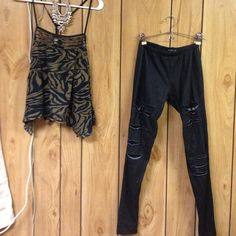 Small outfit bundle So cute! Perfect with boots and a jacket or sandals for summer. Wardrobe musts! Tops Tank Tops