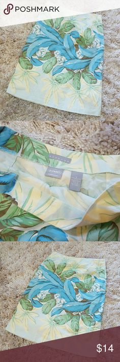Hawaiian Print Skirt by Old Navy In euc, no stains or flaws. Not lined. Material listed in photos. 24.5' length. Old Navy Skirts Midi