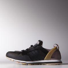 Der adidas by Stella McCartney Eulampis 2 Schuh ist die perfekte Kombination aus Hiking-Funktionalität und City-Style. Er ist luftdurchlässig und trocknet schnell dank perforiertem Mesh.