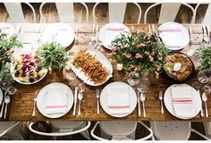 Bright white china lets farm-to-table florals and produce steal the spotlight. See more on our Style Guide: 7 Steps to Mastering the Casual Fall Dinner Party from Haven's Kitchen founder Alison Cayne. Fall Dinner, Dinner Sets, Dinner Club, Supper Club, One Kings Lane, Havens Kitchen, Casual Dinner Parties, Dinner Party Table, Sweet Home