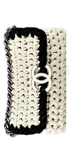 Chanel Crochet Clutch ༺✿ƬⱤღ  https://www.pinterest.com/teretegui/✿༻
